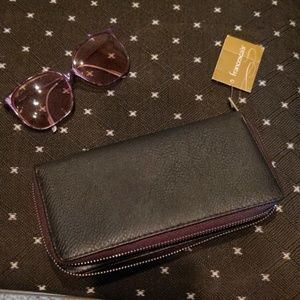 Black Zippered Wallet by Francesca's Collection